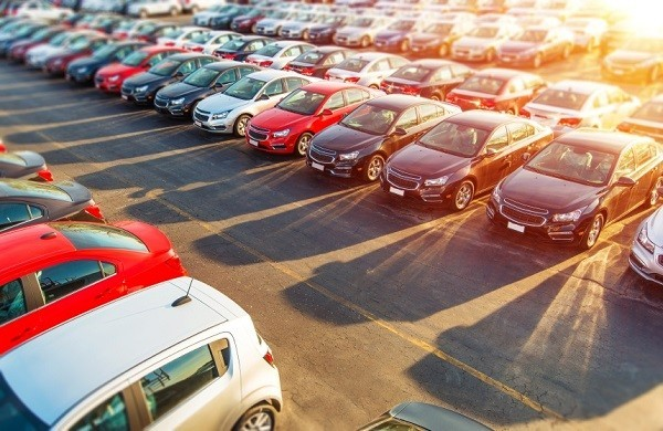 Cars in Lot - Tips for Buying New Car